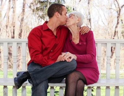 бабушка делает куни внучке фото