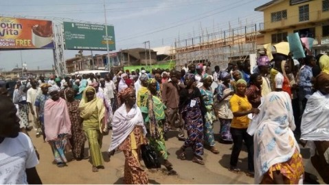 Some-of-the-protesters.-Credit-Sahara-Reporters